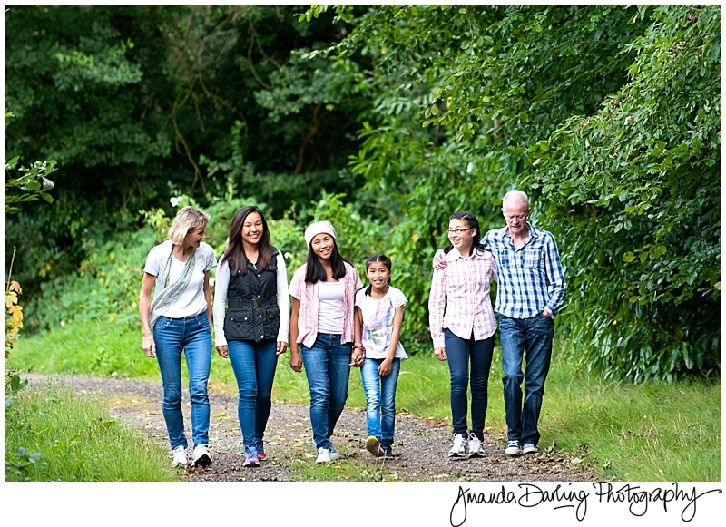 Large family photgraphy relaxed and authentic